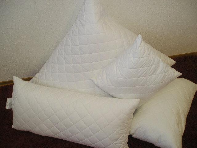 bettenstefan kopfkissen und nackenst tzkissen. Black Bedroom Furniture Sets. Home Design Ideas