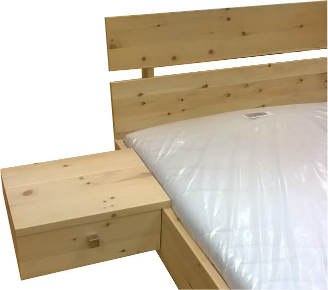 zirbenholzbett Kopfteil 2 mit Nako 1 Schubkasten